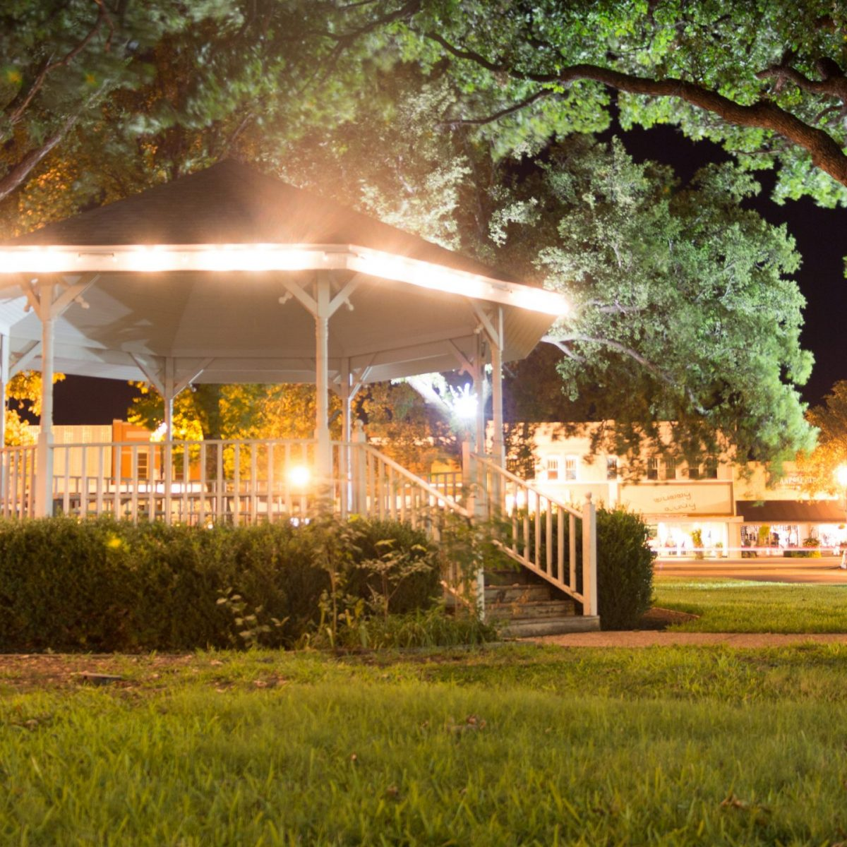 Young County Courthouse Gazebo and Lawn