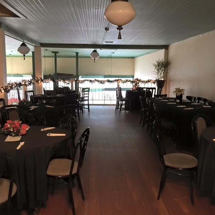 Neri's Bistro and Catering tables